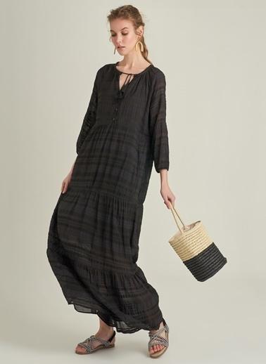 Ng Style Dokulu Kumaş Volanlı Maxi Elbise Siyah